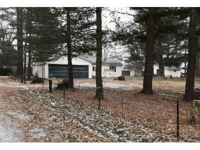 2 Bed 2 Bath Foreclosure Property in Greenup, IL 62428 - W Plum St