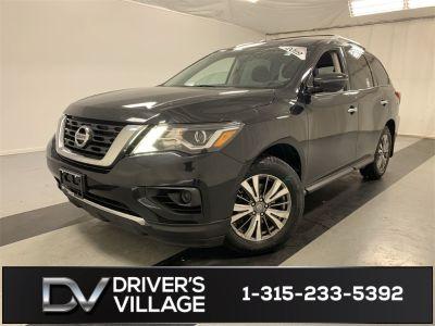 2019 Nissan Pathfinder (Magnetic Black Pearl)
