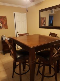 Dining table for 4 with chairs