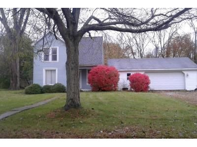3 Bed 1.0 Bath Preforeclosure Property in Kendallville, IN 46755 - Brillhart Ave