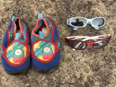 Free water shoes size 6/7 and baby/toddler sunglasses