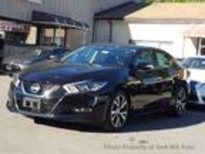 $23900.00 2018 Nissan Maxima with 551 miles!