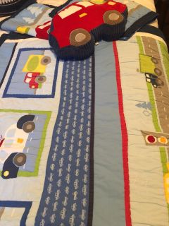 Full/queen quilted cover with 2 pillow shams and a car pillow