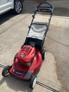 Self Propelled Lawn Mower Toro