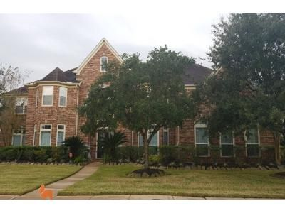 Preforeclosure Property in Pearland, TX 77584 - Crescent Bluff Dr
