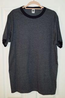 Unisex T-Shirt - Unisex US Blanks T-Shirt - Like New Condition