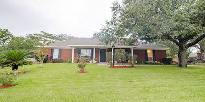 Move-In Ready Home with Large Detached Workshop in Wind Dance, Mobile!
