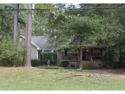 3 Bed 2.5 Bath Foreclosure Property in Macon, GA 31210 - Fairmont Dr