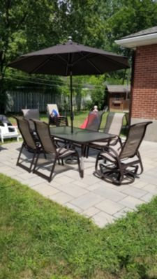 Beautiful patio set for sale** MOVING SALE**