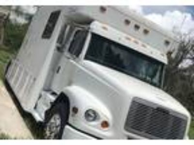 2000 Freightliner Toterhome Class C in Haines City, FL