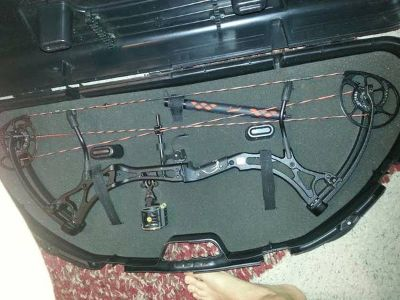 2013 Bear Method Compound Bow -Like New