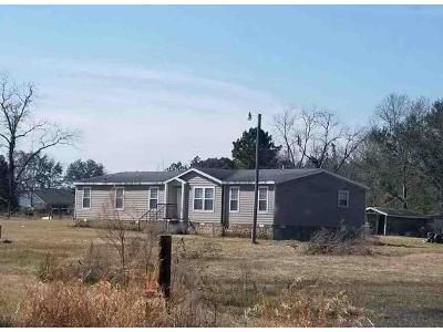 1 Bath Preforeclosure Property in Oakfield, GA 31772 - Cowford Bridge Rd