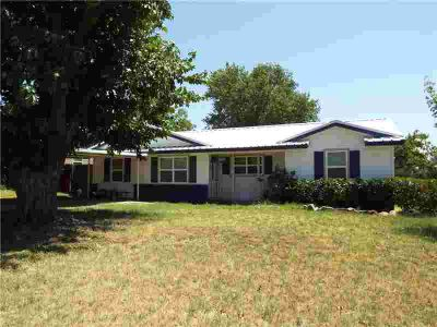 610 S Dixie Street Eastland Four BR, Well-maintained home on a