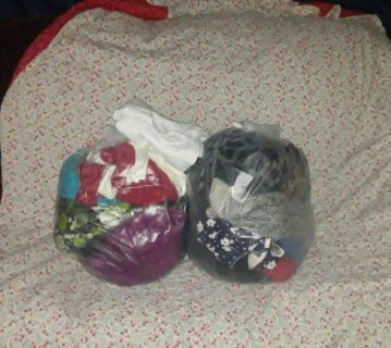 2 bags of MIXED LADIES clothing JEANS SHIRTS & MORE all in good conditions. More than 30 pieces in both bags. Selling both bags for $25 FIRM