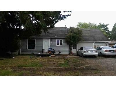 3 Bed 1 Bath Foreclosure Property in Lebanon, OR 97355 - Russell St