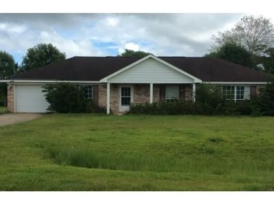 3 Bed 2 Bath Preforeclosure Property in Summerdale, AL 36580 - Lexington Dr