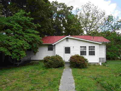 166 Donna Lane LaFollette, 3 BR, Two BA home in