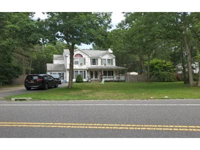 3 Bed 2.5 Bath Foreclosure Property in Medford, NY 11763 - Middle Island Rd