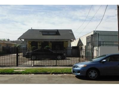 2 Bed 1 Bath Preforeclosure Property in Los Angeles, CA 90044 - W 82nd St