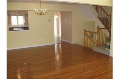 3 bedrooms Townhouse - Nice middle of group town home with all appliances.