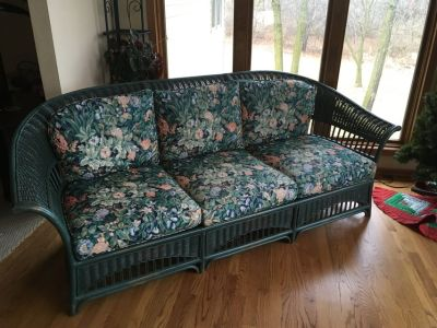Rattan Sofa Couch - Beautiful