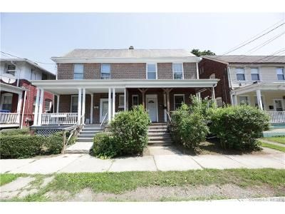 5 Bed 1.5 Bath Foreclosure Property in Bridgeport, CT 06610 - East Ave
