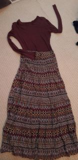Rue 22 skirt small w/soft long slv Mossimo T