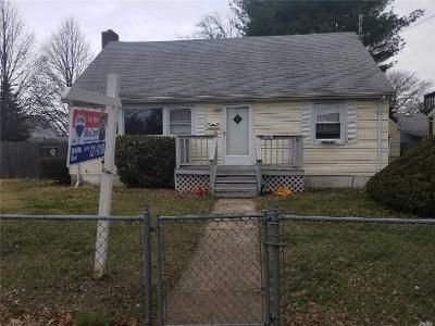 4 Bed 2 Bath Foreclosure Property in Huntington Station, NY 11746 - E 11th St
