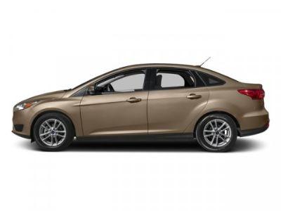 2018 Ford Focus SE (White Gold Metallic)