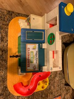 VINTAGE 1976 Fisher Price Sesame Street Clubhouse
