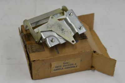Sell 1973-1979 FORD TRUCK NOS TAILGATE RELEASE HANDLE F100-F350 RANGER XLT LARIAT motorcycle in Tipp City, Ohio, United States, for US $90.00