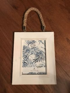 New 5x7 picture frame