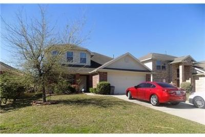 4 bedrooms House - Gorgeous home with hand scraped wood floors. Parking Available!