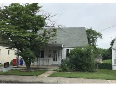 3 Bed 1 Bath Foreclosure Property in Pottstown, PA 19464 - State St