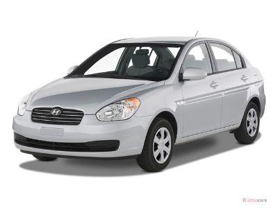 2009 Hyundai Accent GLS (White)