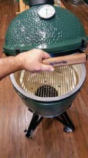 Big Green Egg Grill/Smoker/Oven