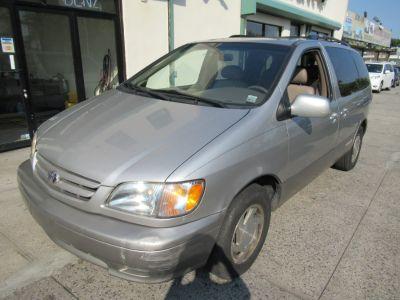 2003 Toyota Sienna LE (Silver)