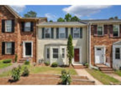 Awesome Townhome With New ROOF, New Paint, New Carpet, New Pipes & More in O...
