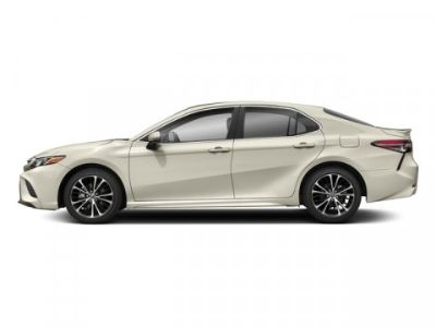 2018 Toyota Camry XSE (Wind Chill Pearl)