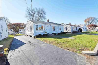 11 Dover ST Pawtucket, Pretty 6 room, Three BR ranch on quiet