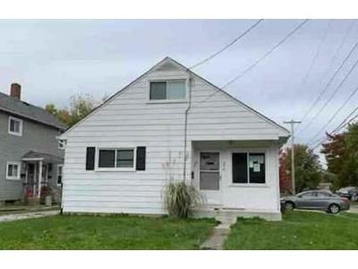 2 Bed 1 Bath Preforeclosure Property in Wadsworth, OH 44281 - Oak St