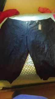 New with tags Avenue size 30/32 capri