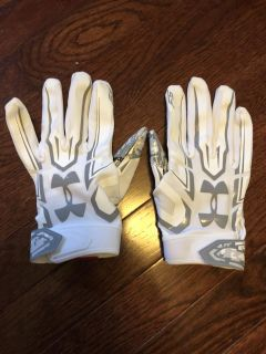 Under Armour football gloves size L