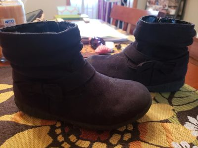 Girls black boots size 10