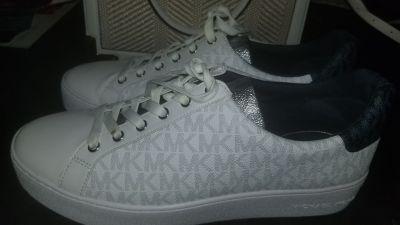 MK women shoes size 10