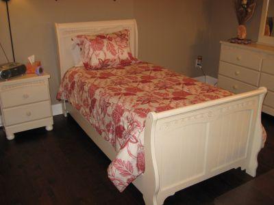Twin Bedroom Suite Sleigh Bed and Nightstand