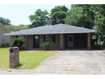 3 Bed 2 Bath Foreclosure Property in Eunice, LA 70535 - W Oak Ave