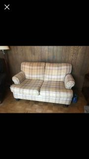 UPHOLSTERED LOVE SEAT COUCH