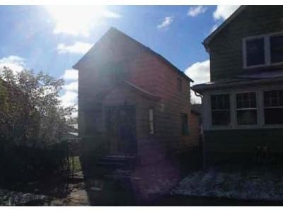 2 Bed 1 Bath Foreclosure Property in Duluth, MN 55807 - Polk St