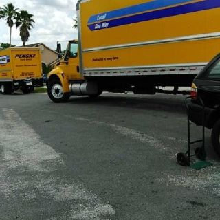 Mango Movers / Loading / Unloading Help St Pete, Clearwater Tampa.
